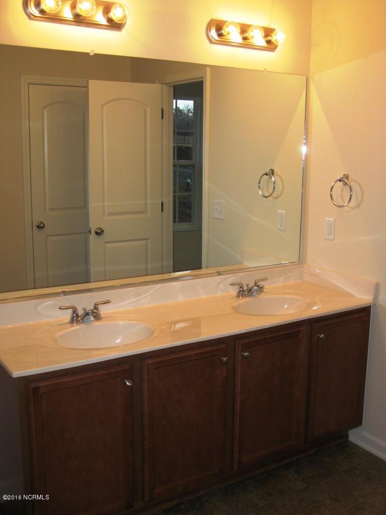 Richmond Hills Real Estate - http://cdn.resize.sparkplatform.com/ncr/1024x768/true/20171201183135818120000000-o.jpg