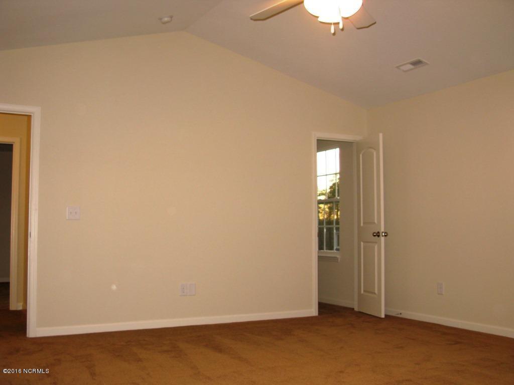 Richmond Hills Real Estate - http://cdn.resize.sparkplatform.com/ncr/1024x768/true/20171201183136359143000000-o.jpg