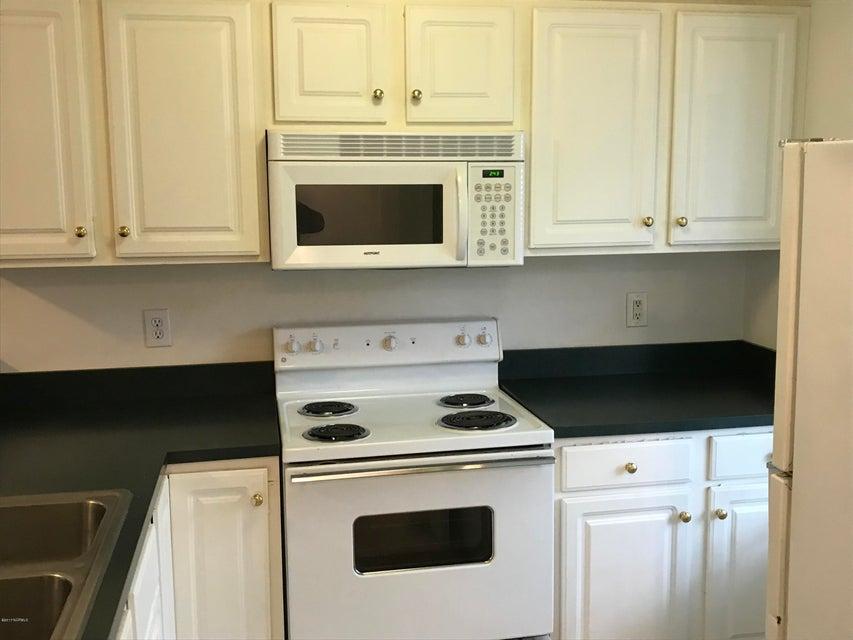 Holton Place Condominiums Real Estate - http://cdn.resize.sparkplatform.com/ncr/1024x768/true/20171201215017509565000000-o.jpg