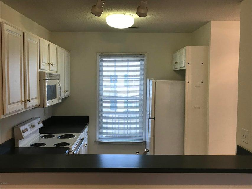 Holton Place Condominiums Real Estate - http://cdn.resize.sparkplatform.com/ncr/1024x768/true/20171201215105769618000000-o.jpg