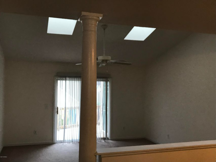 Holton Place Condominiums Real Estate - http://cdn.resize.sparkplatform.com/ncr/1024x768/true/20171201215128807337000000-o.jpg