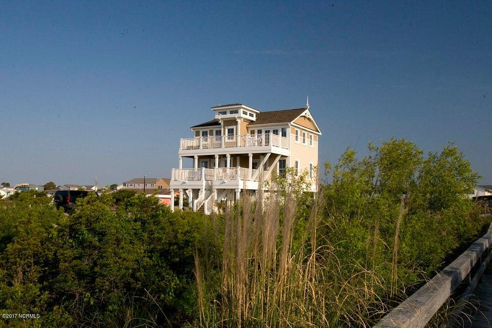 Ocean Ridge Real Estate - http://cdn.resize.sparkplatform.com/ncr/1024x768/true/20171204184345273215000000-o.jpg
