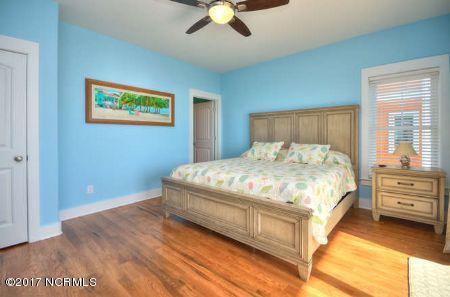 East Beach Real Estate - http://cdn.resize.sparkplatform.com/ncr/1024x768/true/20171207172846143748000000-o.jpg