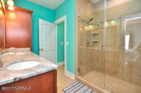 East Beach Real Estate - http://cdn.resize.sparkplatform.com/ncr/1024x768/true/20171207173027549629000000-o.jpg