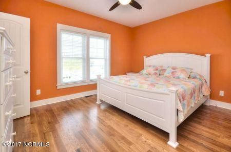 East Beach Real Estate - http://cdn.resize.sparkplatform.com/ncr/1024x768/true/20171207173050507972000000-o.jpg