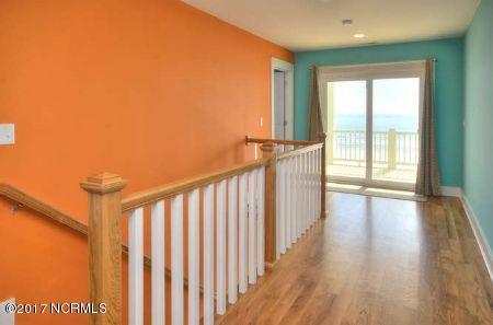 East Beach Real Estate - http://cdn.resize.sparkplatform.com/ncr/1024x768/true/20171207173145389529000000-o.jpg