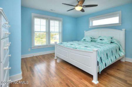 East Beach Real Estate - http://cdn.resize.sparkplatform.com/ncr/1024x768/true/20171207173327844316000000-o.jpg