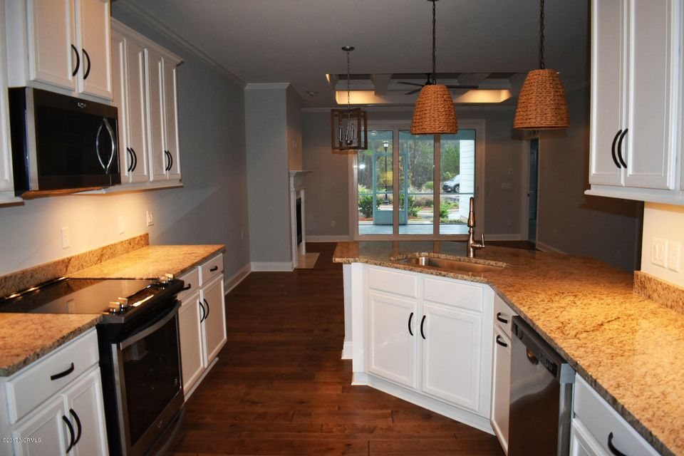 Brunswick Forest Real Estate - http://cdn.resize.sparkplatform.com/ncr/1024x768/true/20171208153239256973000000-o.jpg
