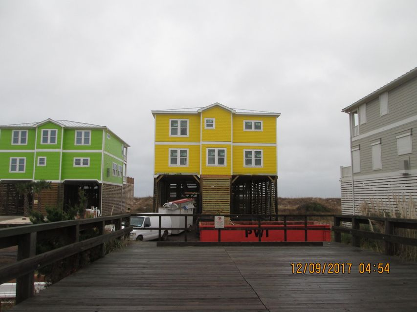 East Beach Real Estate - http://cdn.resize.sparkplatform.com/ncr/1024x768/true/20171208220401194057000000-o.jpg