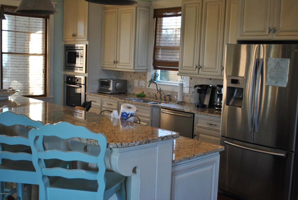 BHI (Bald Head Island) Real Estate - http://cdn.resize.sparkplatform.com/ncr/1024x768/true/20171212152041284987000000-o.jpg