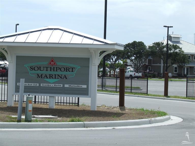 The Village at Southport Real Estate - http://cdn.resize.sparkplatform.com/ncr/1024x768/true/20171212174029281939000000-o.jpg