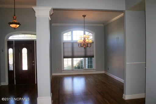St James Real Estate - http://cdn.resize.sparkplatform.com/ncr/1024x768/true/20171213161407363479000000-o.jpg