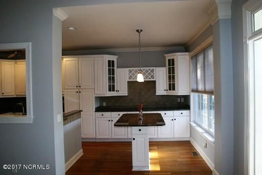 St James Real Estate - http://cdn.resize.sparkplatform.com/ncr/1024x768/true/20171213161418586107000000-o.jpg