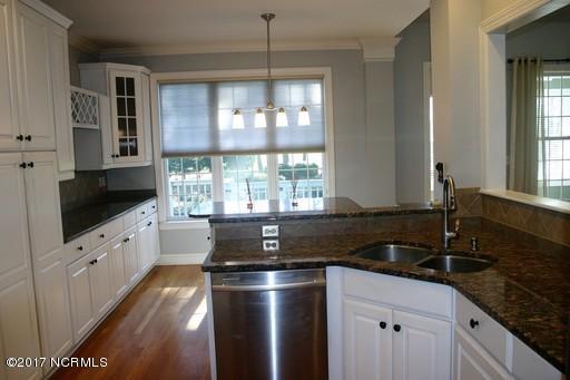 St James Real Estate - http://cdn.resize.sparkplatform.com/ncr/1024x768/true/20171213161511993135000000-o.jpg