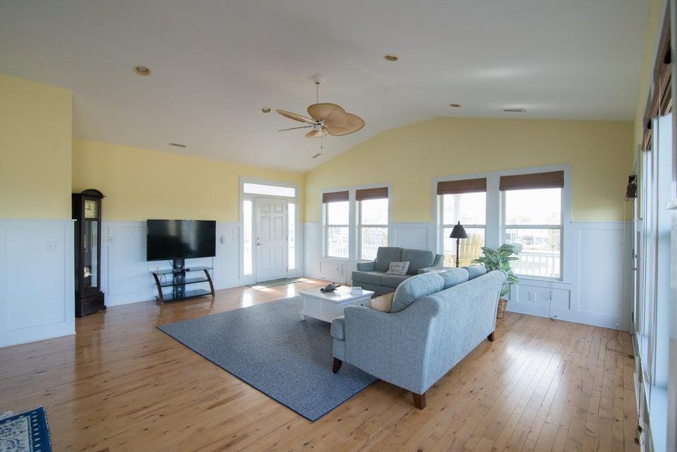 South Harbour Village Real Estate - http://cdn.resize.sparkplatform.com/ncr/1024x768/true/20171214141924068687000000-o.jpg