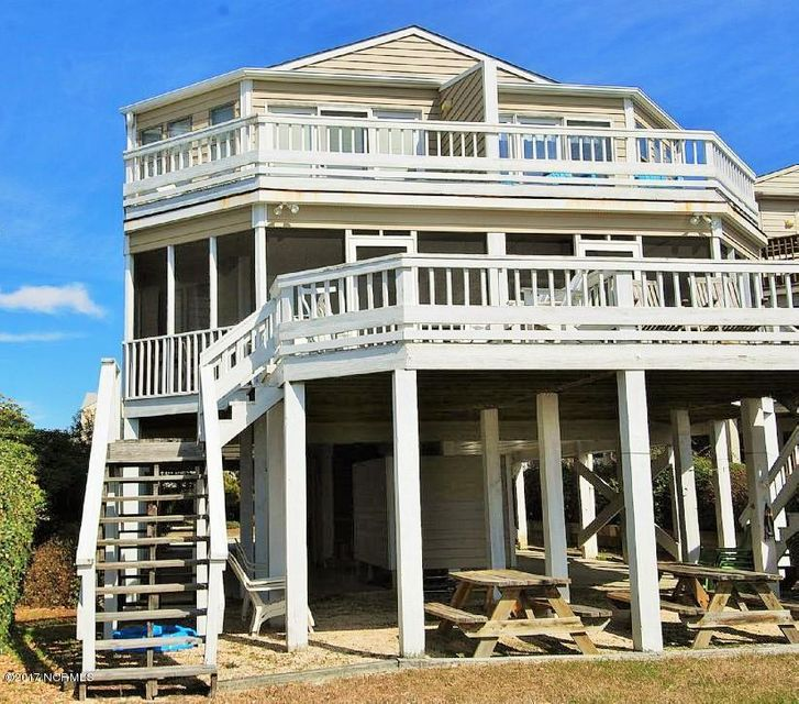 Family Tides Real Estate - http://cdn.resize.sparkplatform.com/ncr/1024x768/true/20171218191550344385000000-o.jpg