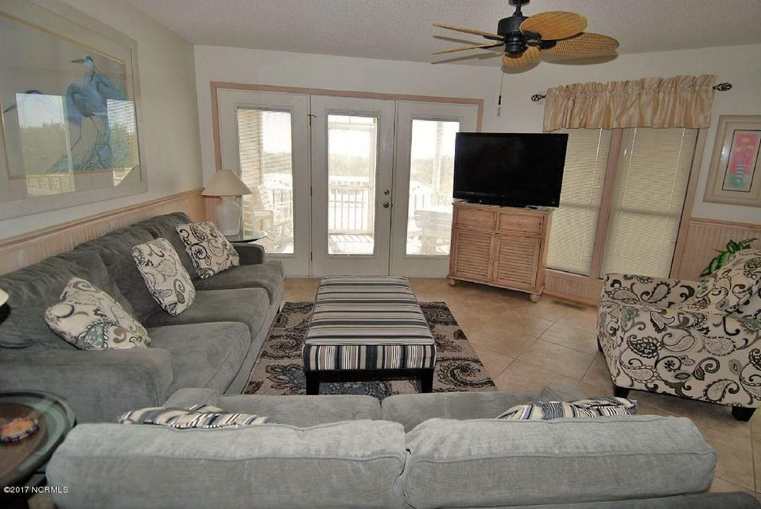 Family Tides Real Estate - http://cdn.resize.sparkplatform.com/ncr/1024x768/true/20171218191619451387000000-o.jpg