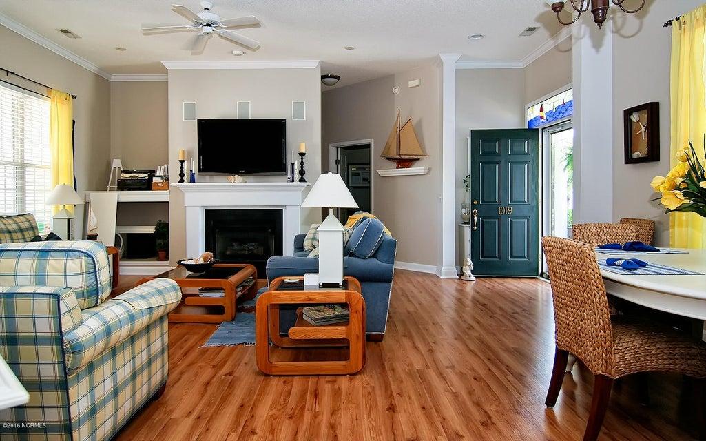 Magnolia Greens Real Estate - http://cdn.resize.sparkplatform.com/ncr/1024x768/true/20171220194539499411000000-o.jpg
