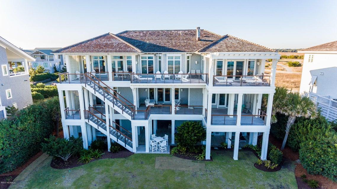 Figure Eight Island Real Estate - http://cdn.resize.sparkplatform.com/ncr/1024x768/true/20171222204934024026000000-o.jpg