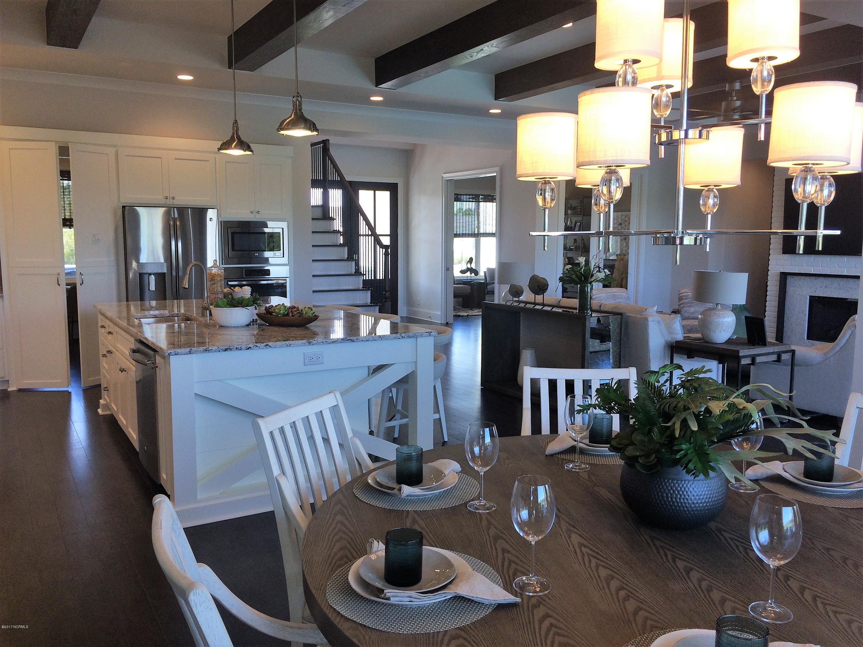 St James Real Estate - http://cdn.resize.sparkplatform.com/ncr/1024x768/true/20171229163509392935000000-o.jpg