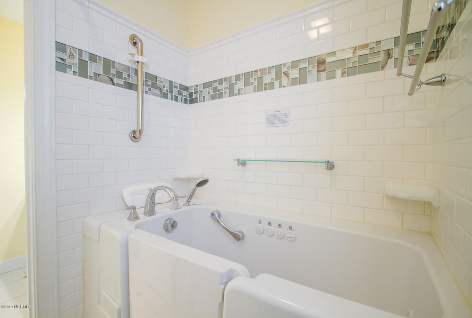 St James Real Estate - http://cdn.resize.sparkplatform.com/ncr/1024x768/true/20171229195646712450000000-o.jpg