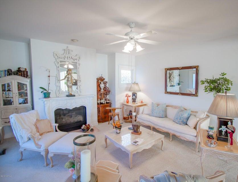 Parmele Isle Real Estate - http://cdn.resize.sparkplatform.com/ncr/1024x768/true/20180102204407245065000000-o.jpg
