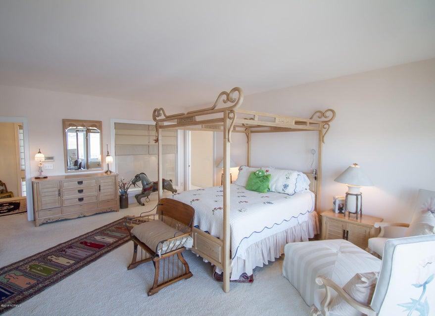 Parmele Isle Real Estate - http://cdn.resize.sparkplatform.com/ncr/1024x768/true/20180102204447059524000000-o.jpg