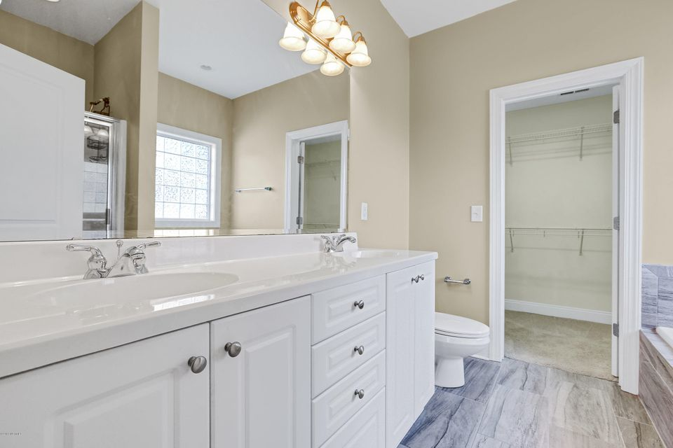 Waterford of the Carolinas Real Estate - http://cdn.resize.sparkplatform.com/ncr/1024x768/true/20180103212443362039000000-o.jpg