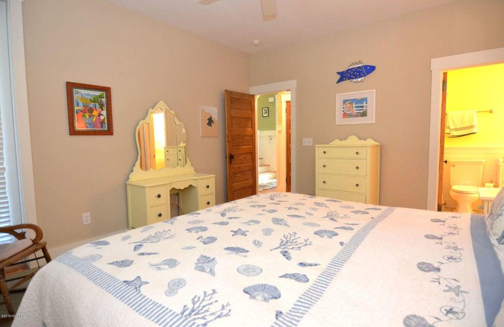 BHI (Bald Head Island) Real Estate - http://cdn.resize.sparkplatform.com/ncr/1024x768/true/20180110200344818208000000-o.jpg