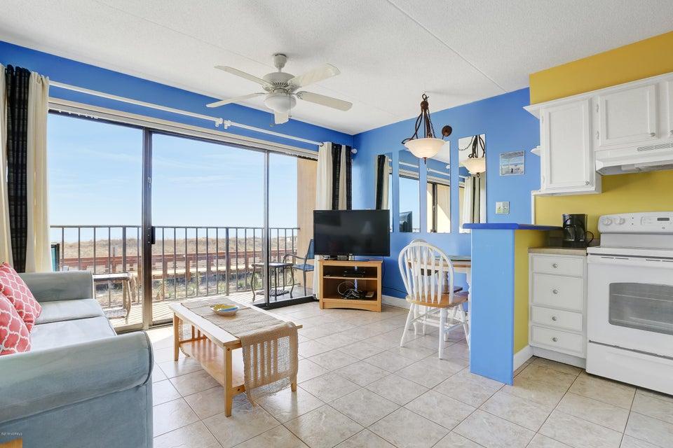 Cabana De Mar Real Estate - http://cdn.resize.sparkplatform.com/ncr/1024x768/true/20180111170119340814000000-o.jpg