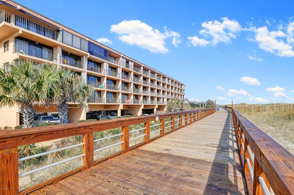 Cabana De Mar Real Estate - http://cdn.resize.sparkplatform.com/ncr/1024x768/true/20180111170226097164000000-o.jpg