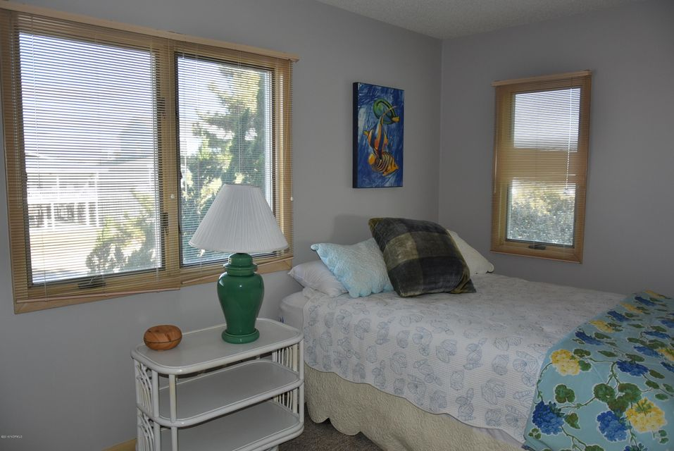 Robinson Beach Real Estate - http://cdn.resize.sparkplatform.com/ncr/1024x768/true/20180113163310865219000000-o.jpg