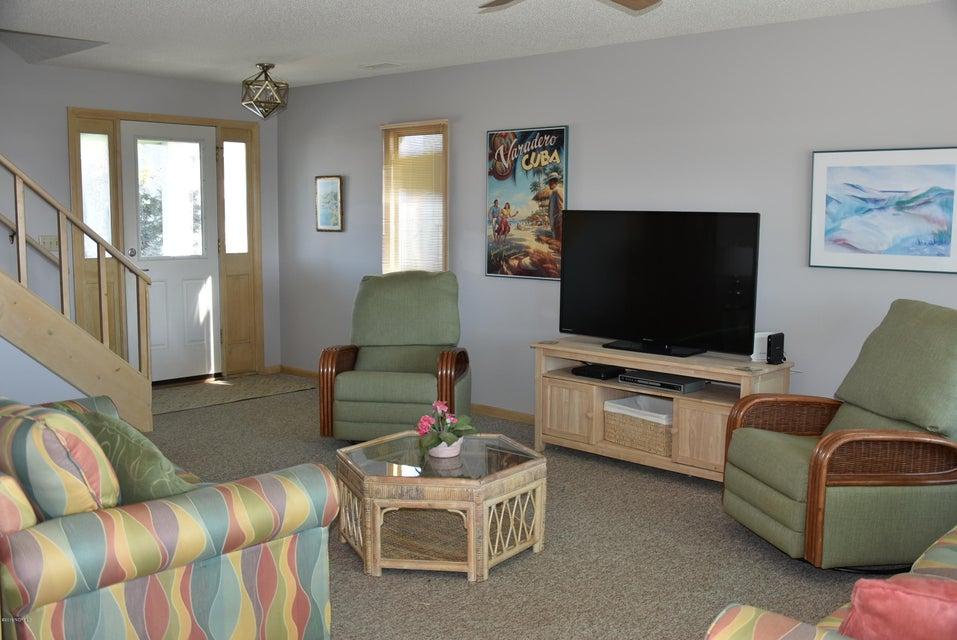 Robinson Beach Real Estate - http://cdn.resize.sparkplatform.com/ncr/1024x768/true/20180113163348661741000000-o.jpg