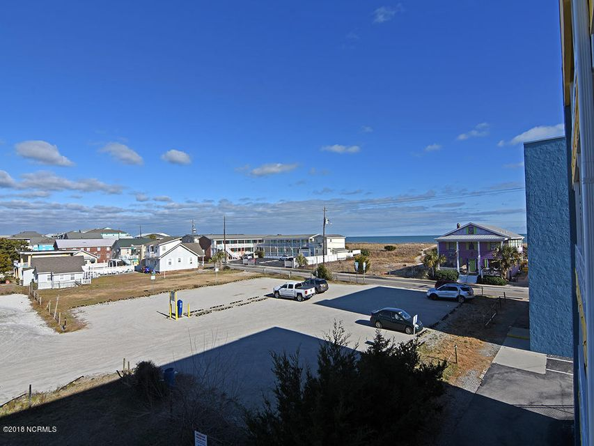 Beach Harbour Real Estate - http://cdn.resize.sparkplatform.com/ncr/1024x768/true/20180114173752583706000000-o.jpg