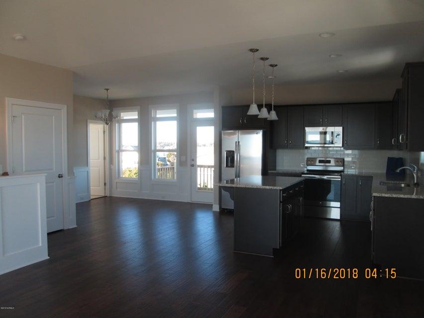 Oak Island Estates Real Estate - http://cdn.resize.sparkplatform.com/ncr/1024x768/true/20180115210247311841000000-o.jpg