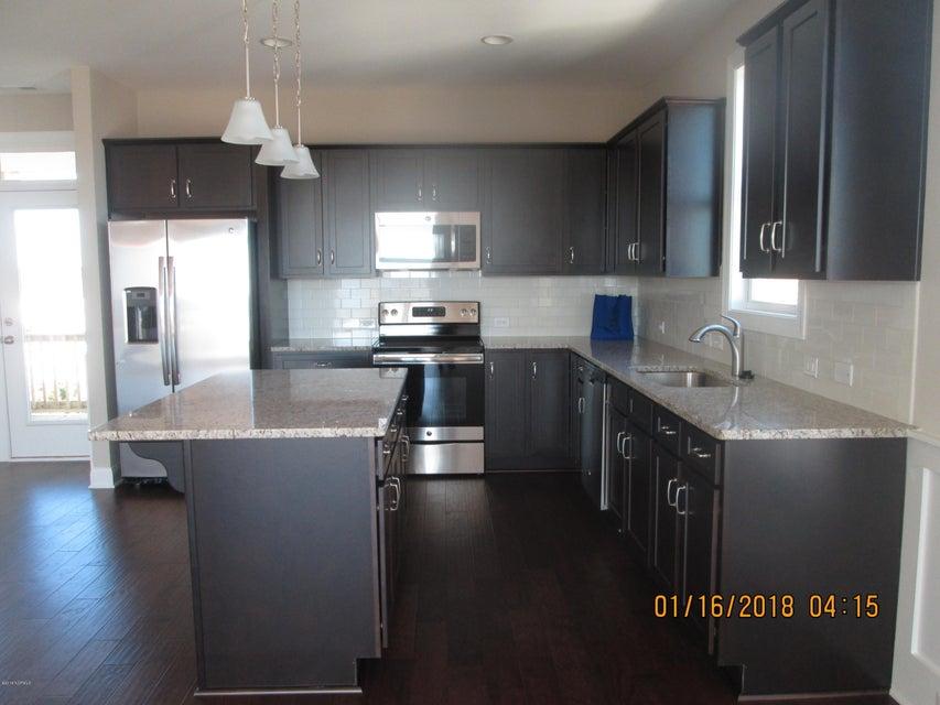Oak Island Estates Real Estate - http://cdn.resize.sparkplatform.com/ncr/1024x768/true/20180115210348035724000000-o.jpg