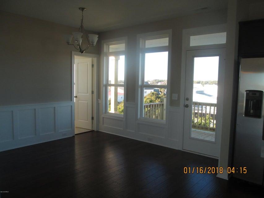 Oak Island Estates Real Estate - http://cdn.resize.sparkplatform.com/ncr/1024x768/true/20180115210404601478000000-o.jpg