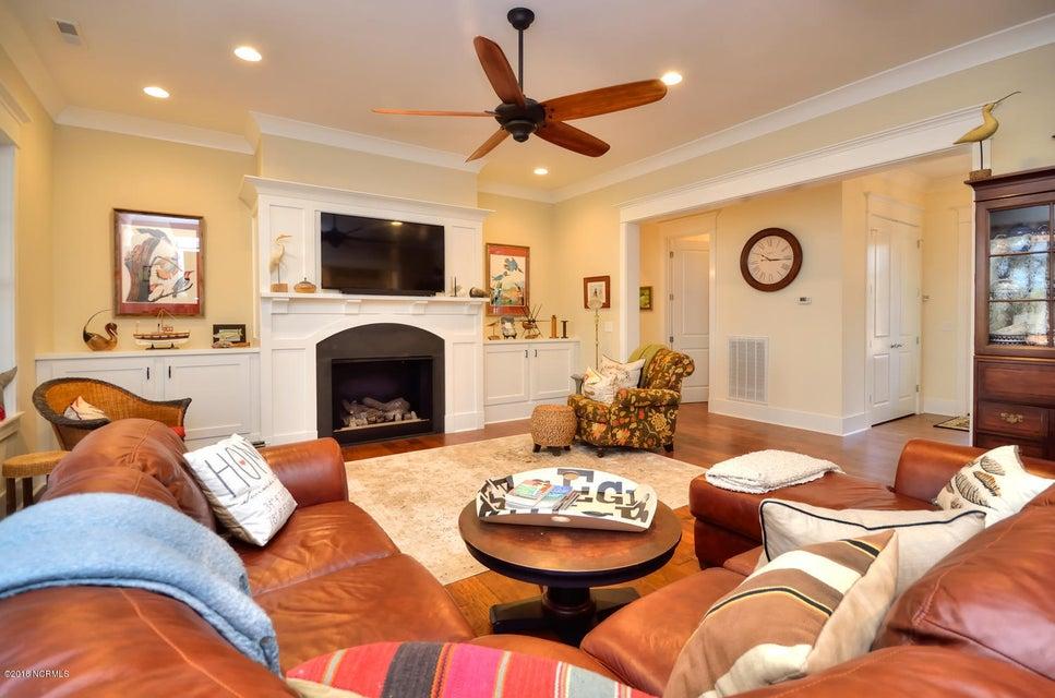 Seawatch @ Sunset Harbor Real Estate - http://cdn.resize.sparkplatform.com/ncr/1024x768/true/20180117210906012381000000-o.jpg