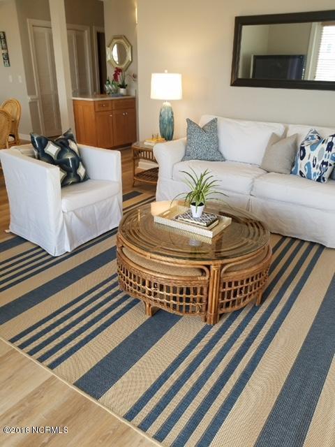 Islander Resort Real Estate - http://cdn.resize.sparkplatform.com/ncr/1024x768/true/20180118023741122317000000-o.jpg