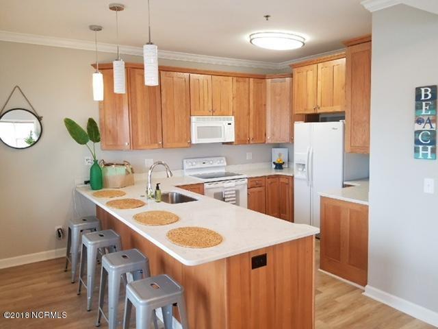 Islander Resort Real Estate - http://cdn.resize.sparkplatform.com/ncr/1024x768/true/20180118023839834329000000-o.jpg