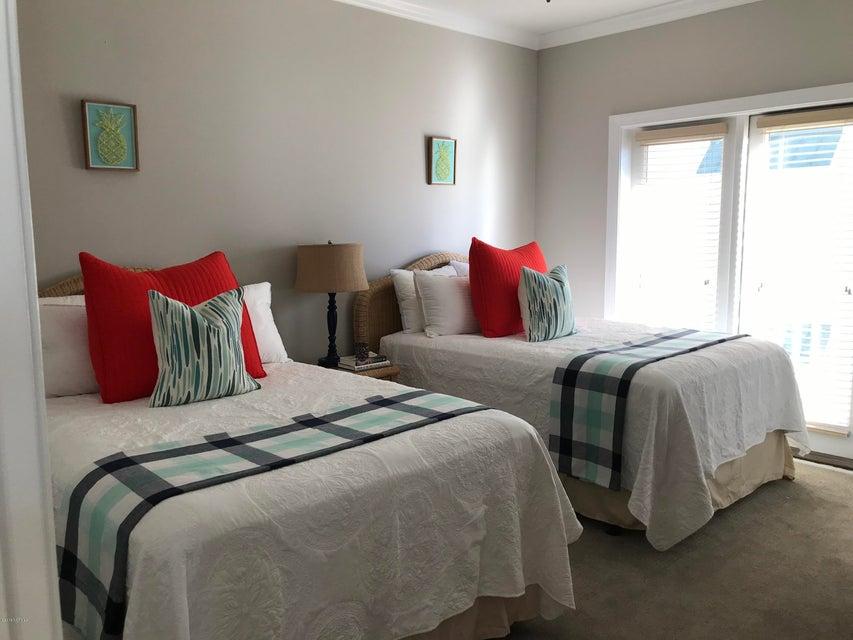 Islander Resort Real Estate - http://cdn.resize.sparkplatform.com/ncr/1024x768/true/20180118024742858818000000-o.jpg