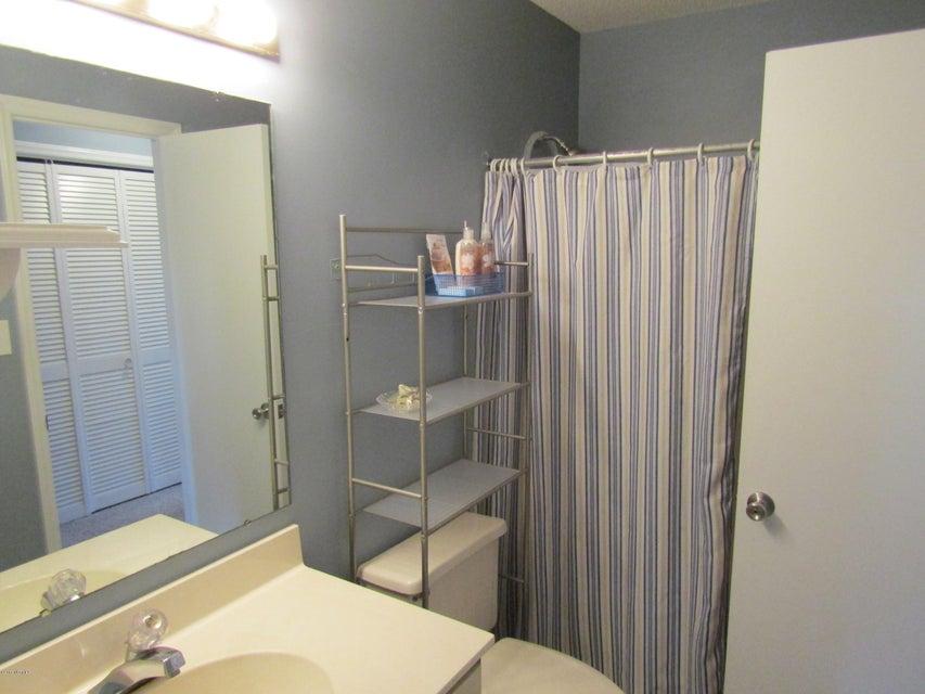 Carolina Shores Vill Real Estate - http://cdn.resize.sparkplatform.com/ncr/1024x768/true/20180119223248831642000000-o.jpg