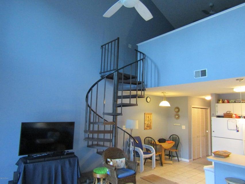 Carolina Shores Vill Real Estate - http://cdn.resize.sparkplatform.com/ncr/1024x768/true/20180119223444598176000000-o.jpg