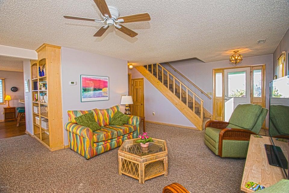 Robinson Beach Real Estate - http://cdn.resize.sparkplatform.com/ncr/1024x768/true/20180120172518458602000000-o.jpg
