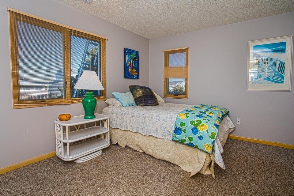 Robinson Beach Real Estate - http://cdn.resize.sparkplatform.com/ncr/1024x768/true/20180120172718189513000000-o.jpg