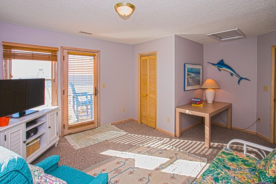 Robinson Beach Real Estate - http://cdn.resize.sparkplatform.com/ncr/1024x768/true/20180120172902273991000000-o.jpg