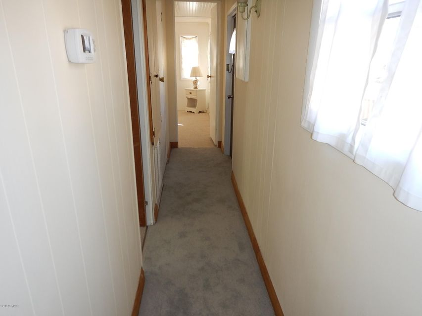 Holiday Haven Real Estate - http://cdn.resize.sparkplatform.com/ncr/1024x768/true/20180121221756154498000000-o.jpg