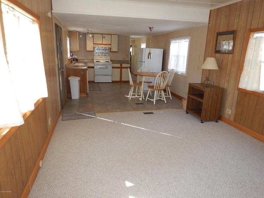 Holiday Haven Real Estate - http://cdn.resize.sparkplatform.com/ncr/1024x768/true/20180121221828803278000000-o.jpg