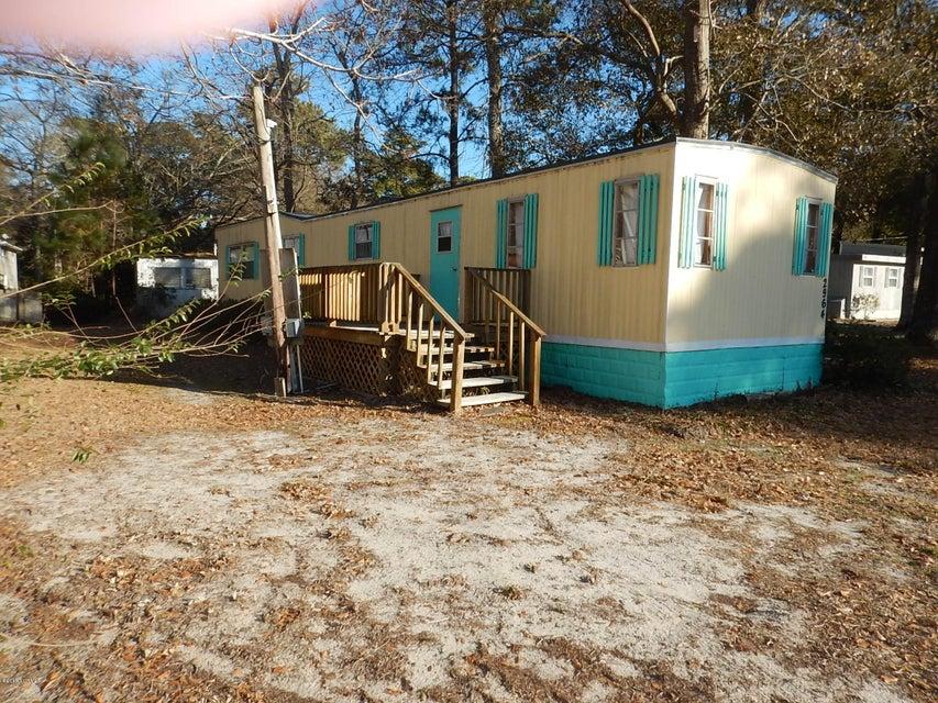 Holiday Haven Real Estate - http://cdn.resize.sparkplatform.com/ncr/1024x768/true/20180121221832772537000000-o.jpg