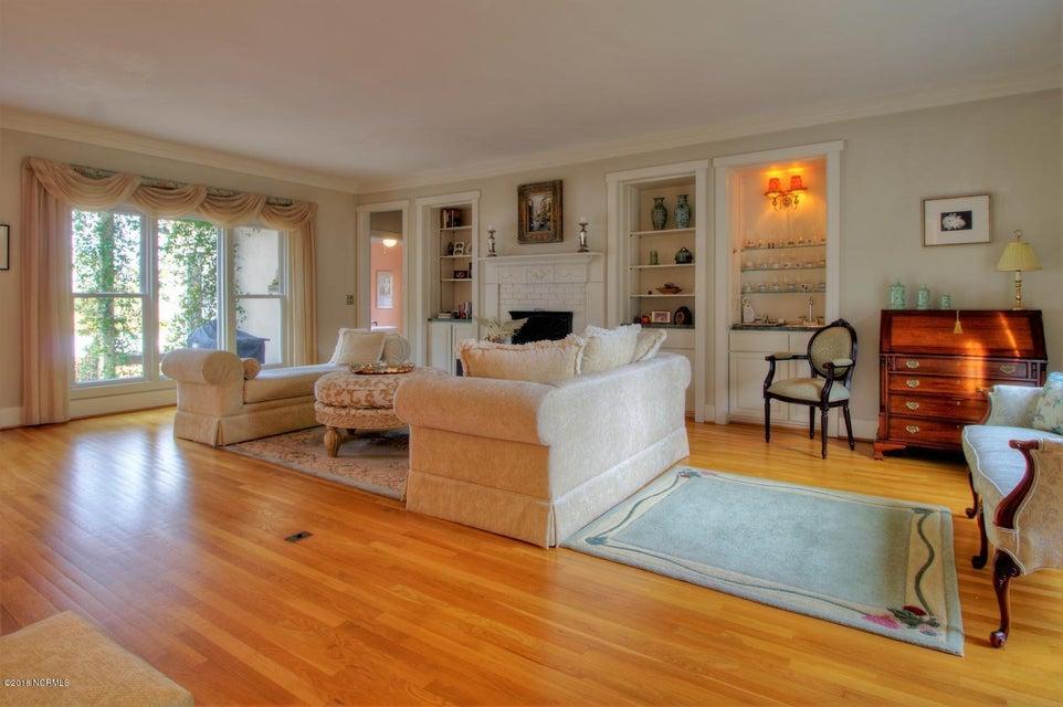 Smithville Woods Real Estate - http://cdn.resize.sparkplatform.com/ncr/1024x768/true/20180122221607779699000000-o.jpg